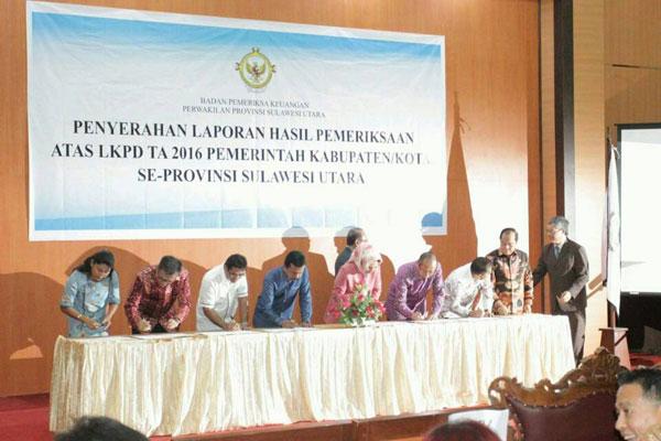 penandatanganan bersama Penyerahan Laporan Hasil Pemeriksaan Atas LKPD TA 2016 Pemerintah Kabupaten/Kota Se- Provinsi Sulawesi Utara