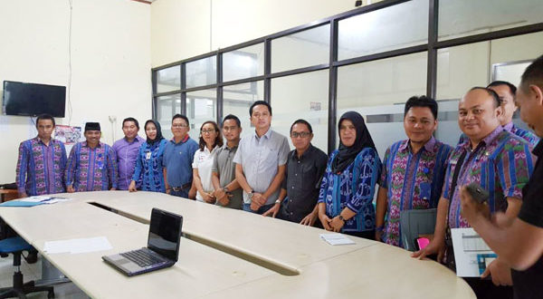Disdukcapil dan KPU Kotamobagu seusai rapat bersama terkait pemelih di pilwako 2018