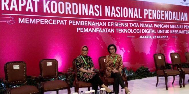 Foto Walikota Ir. Hj. Tatong Bara bersama Bupati Bolmong Dra. Hj. Yasti S. Mokoagow dalam kegiatan Rakornas Pengdalian Inflasi ke- VIII di Grand Sahid Jaya Jakarta