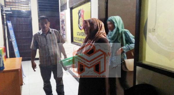 Dirut RSUD Pobundayan dr. Wahdaia Mantang dan dr Widya Potabuga seusai di periksa oleh penyidik Tipidter Polres Bolmong