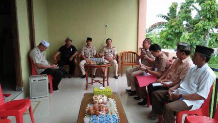 Sekkot Kotamobagu Saat memberikan sambutan pada acara peletakan batu pertama di Musholah An'Nur Pobundayan