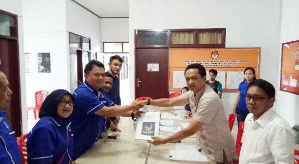 Partai Nasional Demokrat saat mendaftar sebagai peserta Pemilu pada 2019