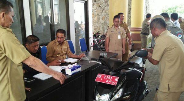 Bupati, Wakil Bupati dan Sekda saat mendata dan menguji kelayakan Kendis di Lingkup Pemerintah Boltim