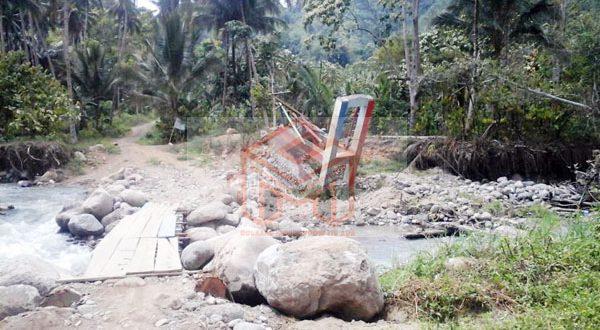 Jembatan Gantung Desa Kobo Kecil Kota Kotamobagu