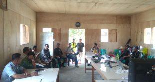 Foto saat Kepala Imigrasi kelas III Non TPI Kotamobagu dan Tim Pengawasan Orang Asing (Timpora) Kabupaten Bolmut melakukan sidak