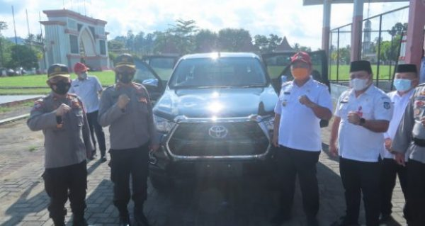 Wabup Dedy Abdul Hamid Serahkan Hibah Pemkab Berupa Kendaraan Operasional ke- Polres Bolsel